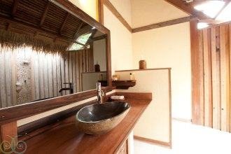 Villa Utara Bathroom