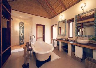 Villa Amizade Bathroom.