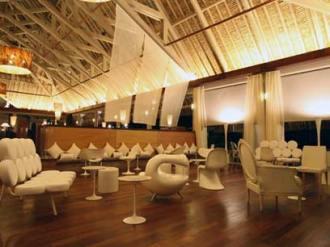 Restaurant Lounge.