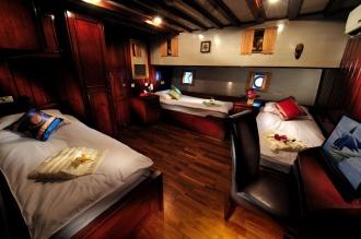 Twin Cabin.