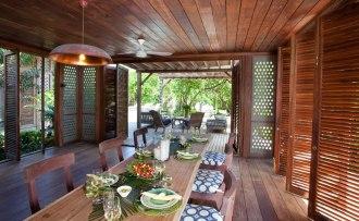 Kipila Private Villa dining room.
