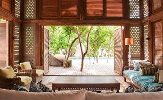 Kipila Private Villa Lounge Pool.