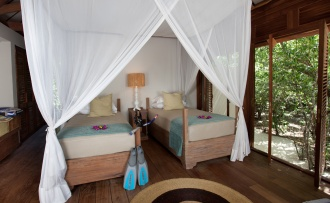 Kipila Private Villa Twin Bedroom.