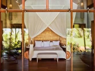 Deluxe Villa Bed.