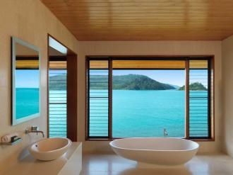 Windward Pavilion Bathroom.