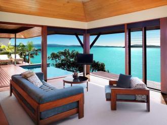 Windward Pavilion Lounge.