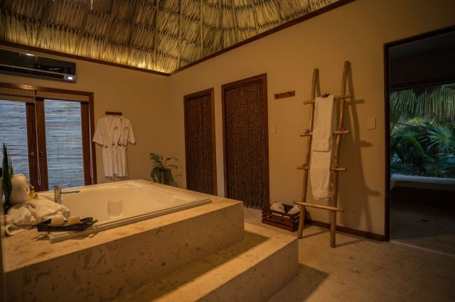 Spa villa bathroom_preview