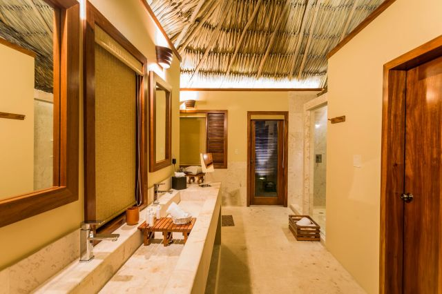 Tropical Bathroom_preview