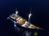 Nighttime 1 - Coralia Liveaboard - by ArtAndWater