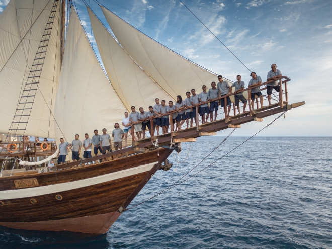 Team - Coralia Liveaboard - by ArtAndWater